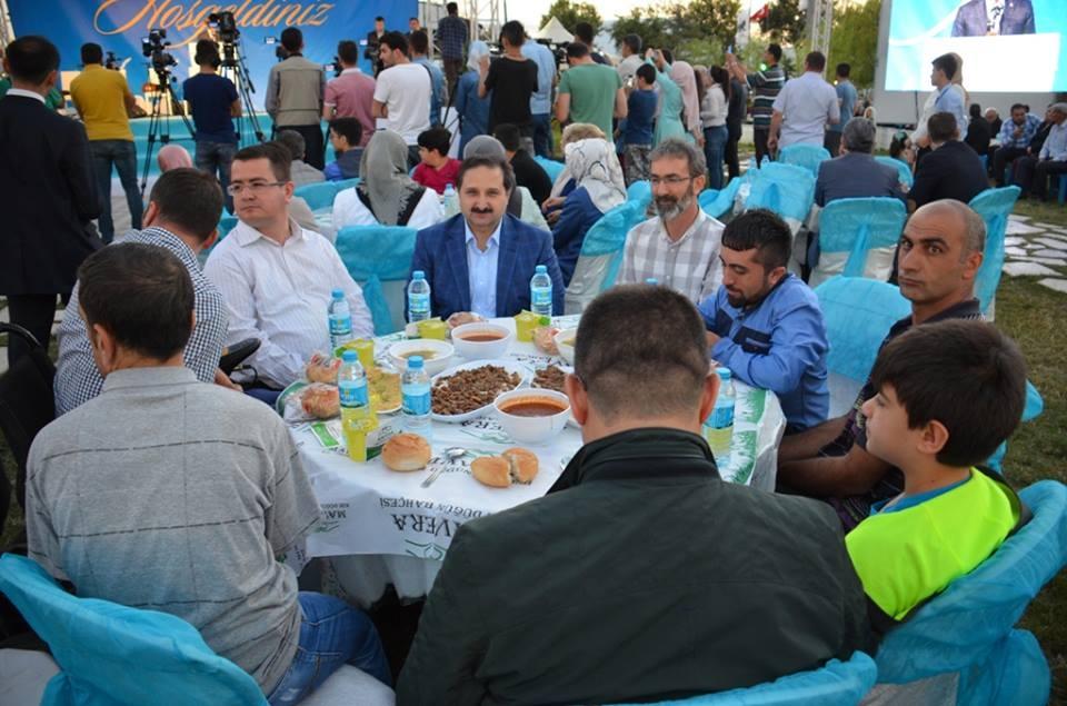 AK Parti Konya İl Teşkilatı'nın düzenlediği iftar yemeği 21
