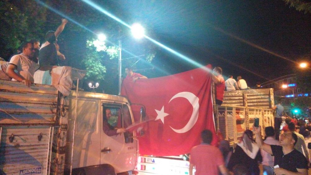 Konya'da halk tepki için sokağa döküldü 13