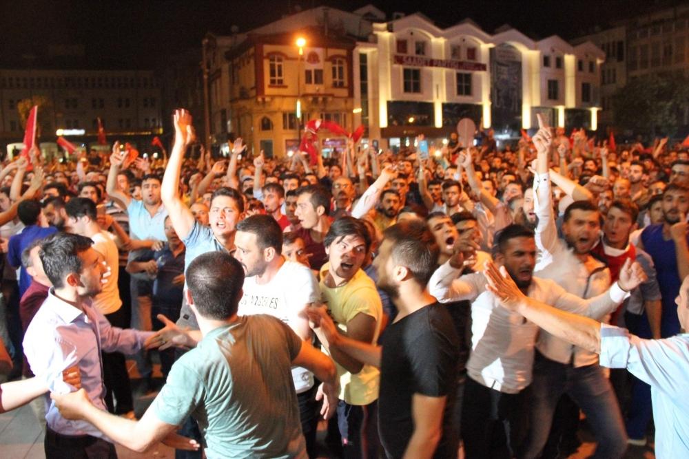Konya'da halk tepki için sokağa döküldü 15