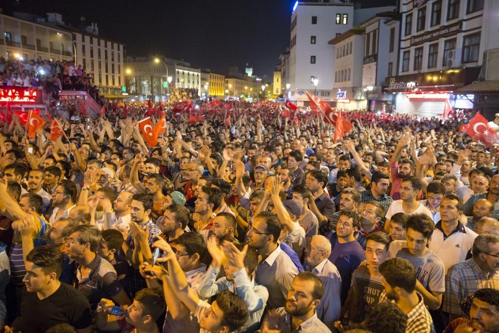 Konya'da halk tepki için sokağa döküldü 17
