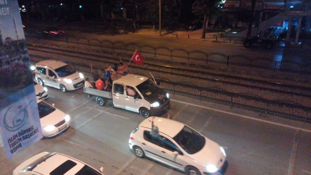Konya'da halk tepki için sokağa döküldü 8