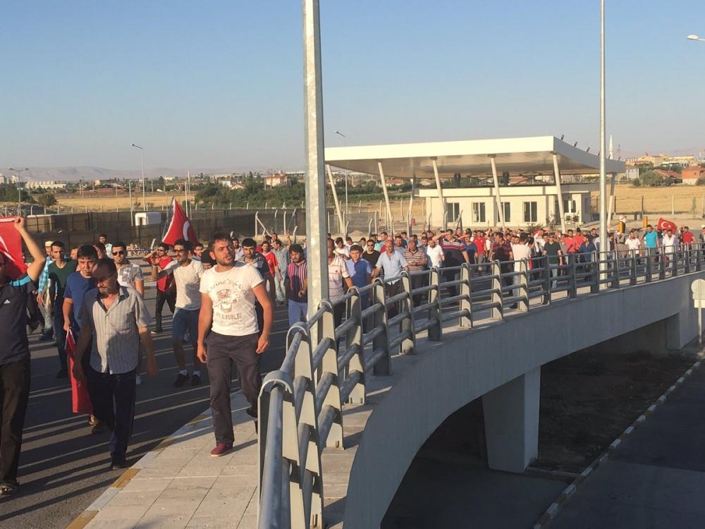 Konya'daki operasyona vatandaşlardan destek 1