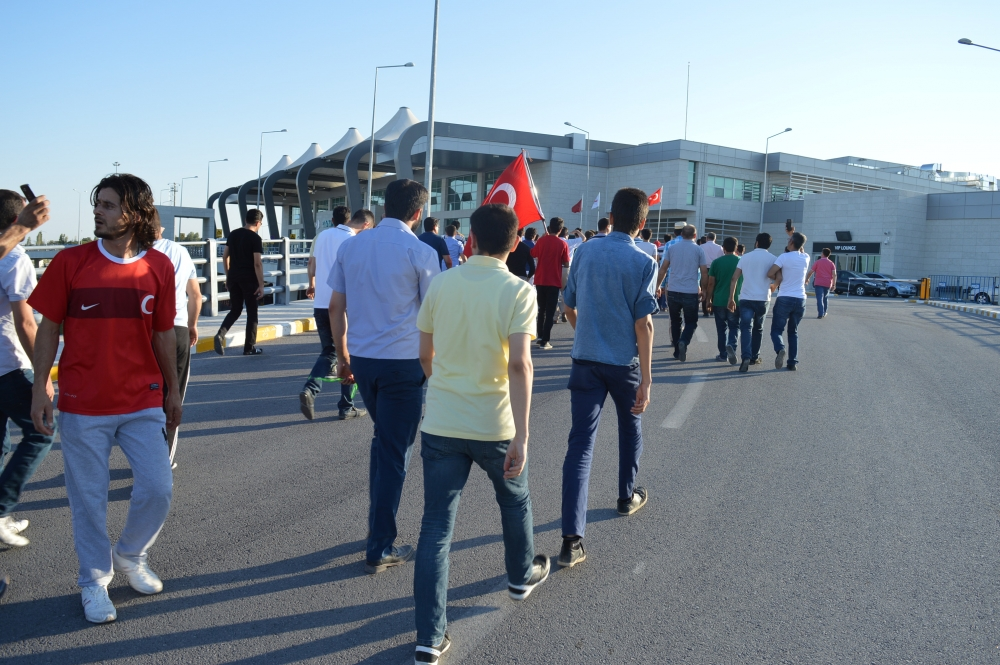 Konya'daki operasyona vatandaşlardan destek 10