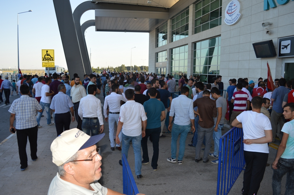 Konya'daki operasyona vatandaşlardan destek 12