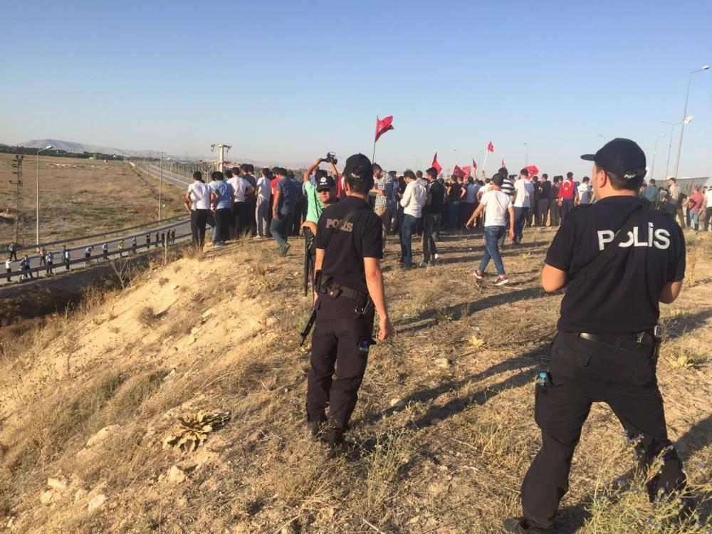 Konya'daki operasyona vatandaşlardan destek 7