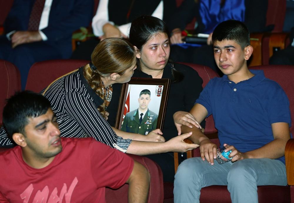 Beştepe'de şehitleri anma programında duygusal anlar 11