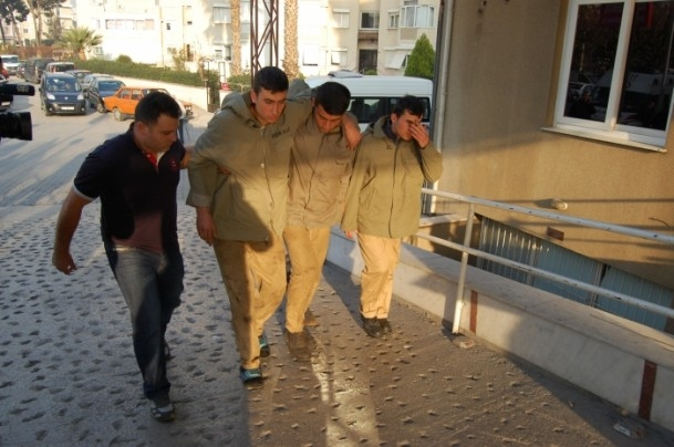 İzmir'de römorkör yan yattı 7