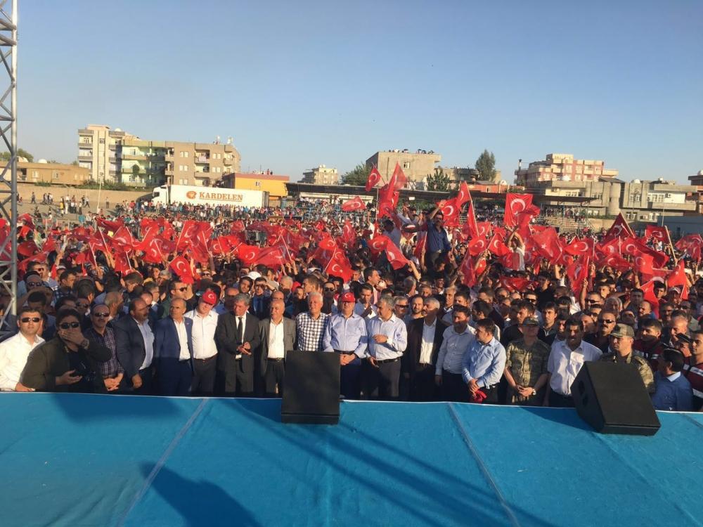 Silopi'de demokrasi mitingine yoğun katılım 3
