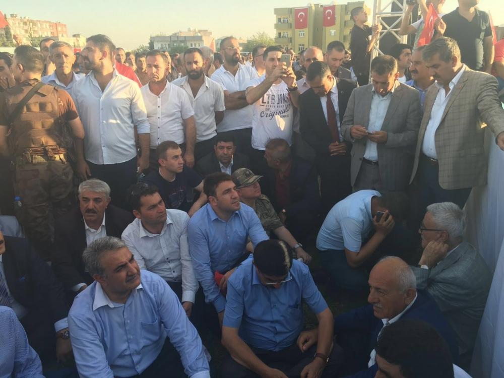 Silopi'de demokrasi mitingine yoğun katılım 4