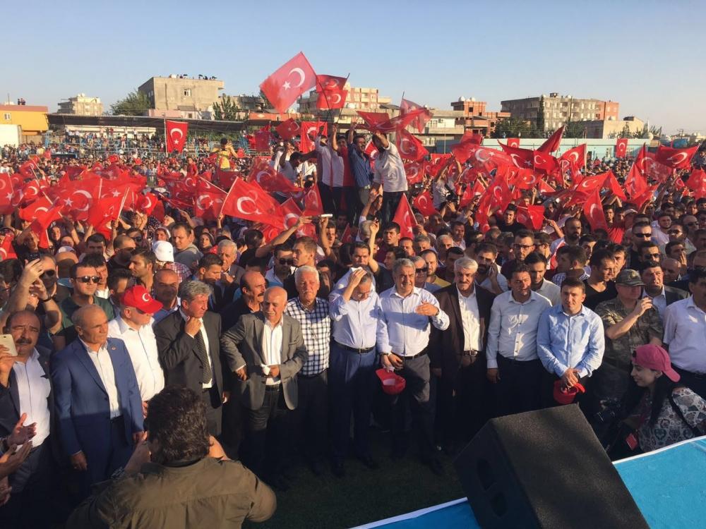 Silopi'de demokrasi mitingine yoğun katılım 5