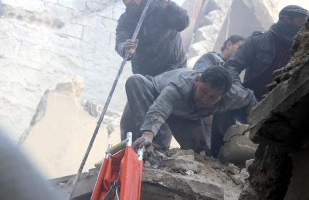 """Halep'e """"varil bombalı"""" saldırılar 8"""