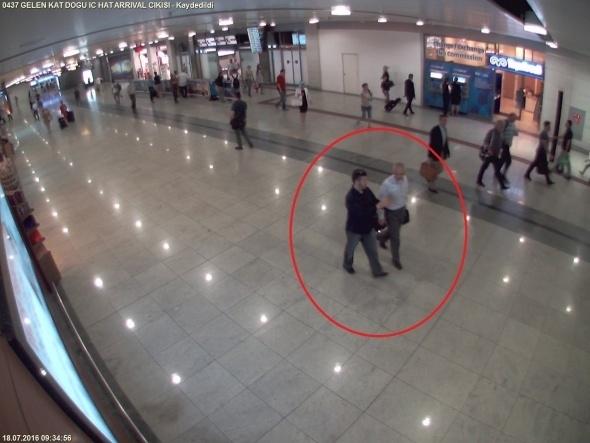 """FETÖ imamı Adil Öksüz böyle """"sır"""" oldu 5"""
