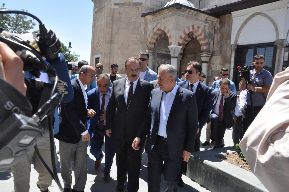 Başbakan Binali Yıldırım,Mevlana Müzesi'ni ziyaret etti 1