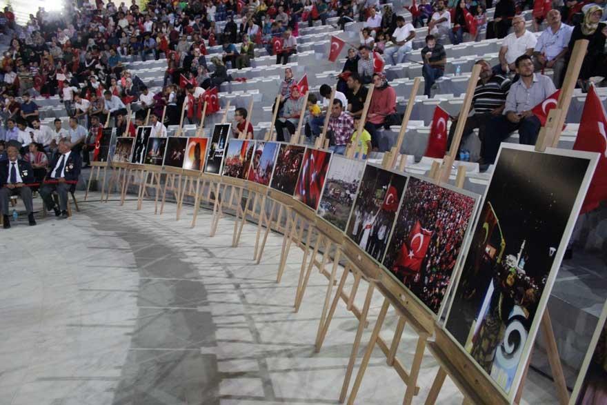 Konya'da 'Milli İrade Dayanışma Gecesi' düzenlendi 12