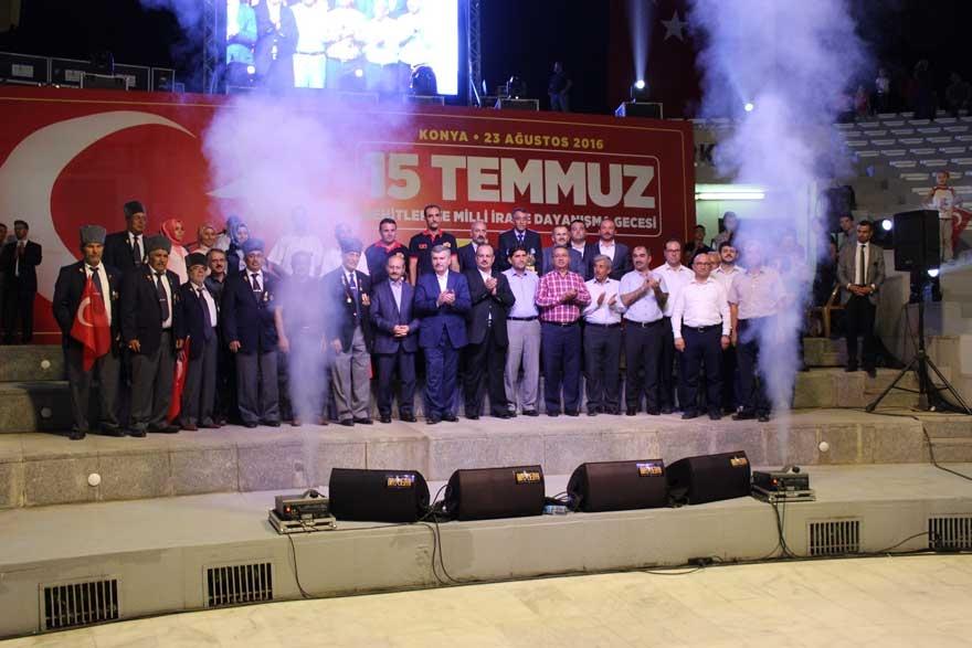 Konya'da 'Milli İrade Dayanışma Gecesi' düzenlendi 26