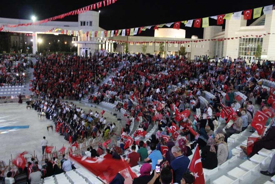 Konya'da 'Milli İrade Dayanışma Gecesi' düzenlendi 30