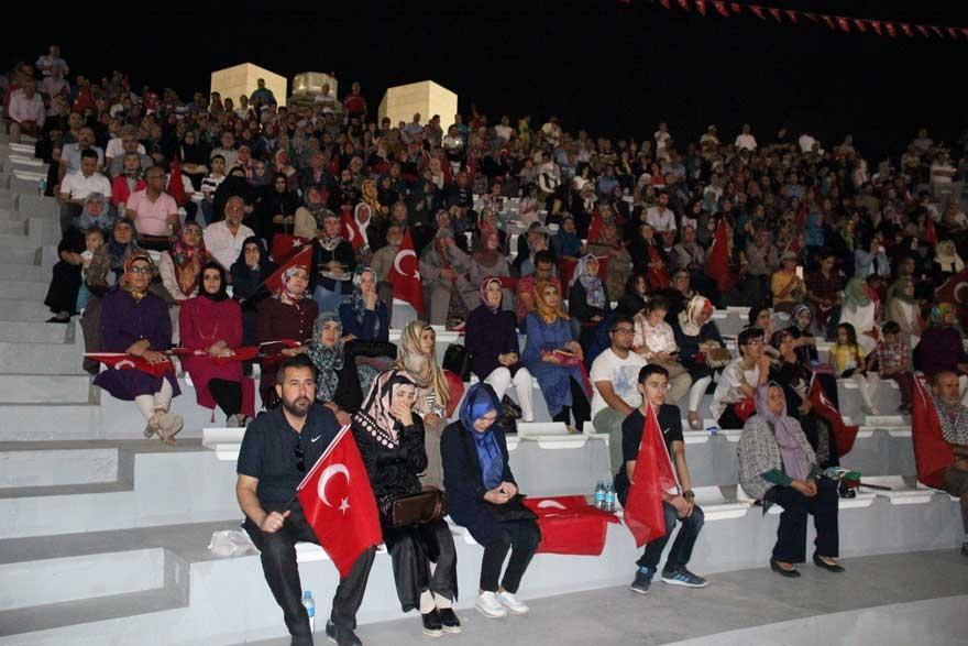 Konya'da 'Milli İrade Dayanışma Gecesi' düzenlendi 6