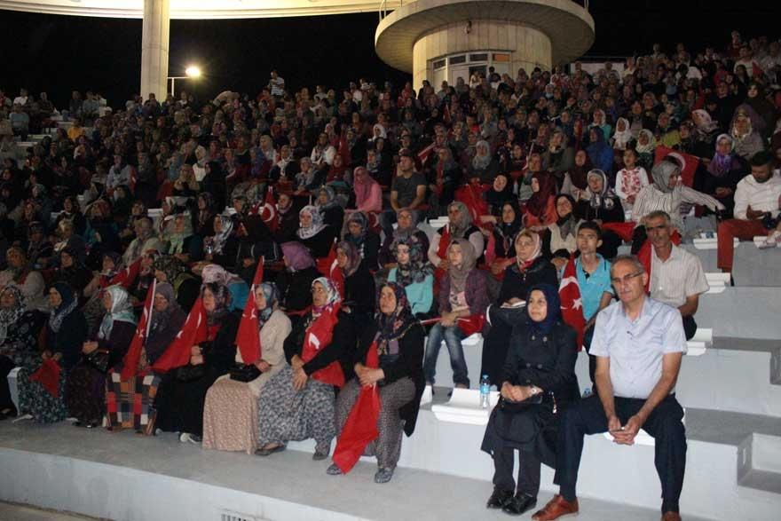 Konya'da 'Milli İrade Dayanışma Gecesi' düzenlendi 7