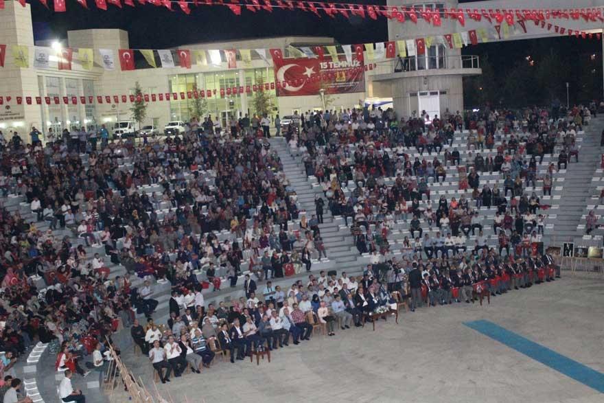 Konya'da 'Milli İrade Dayanışma Gecesi' düzenlendi 9