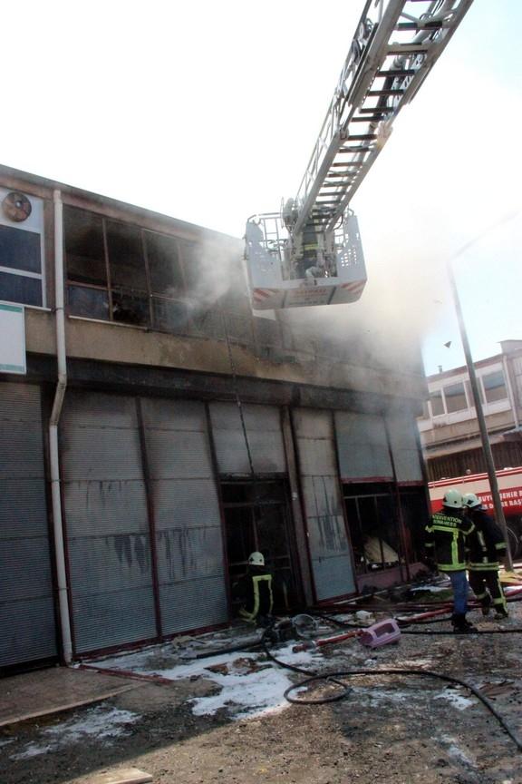 Konya'da işyerinde çıkan yangında bir çocuk yanarak can verdi 6