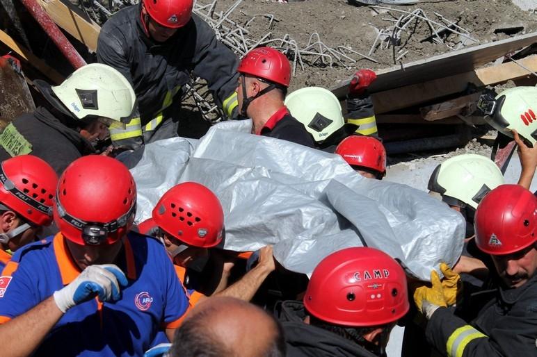 Konya'da okul inşaatında göçük: 1 ölü 5
