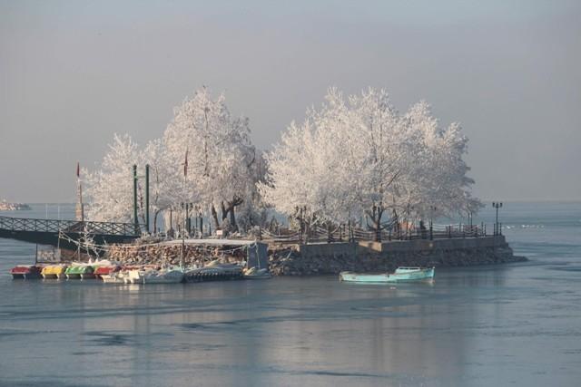 Beyşehir Gölü beyaz gelinliğini giydi 5