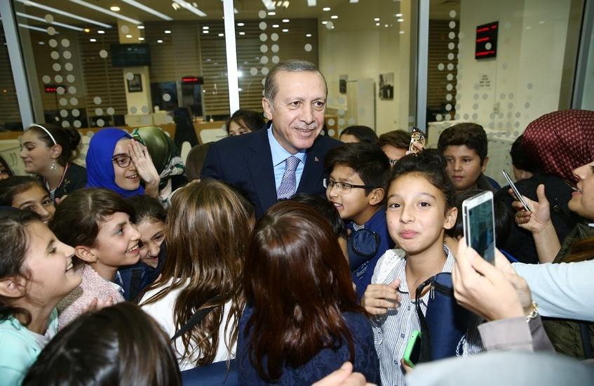 Erdoğan'dan çocuklara özel ilgi 1