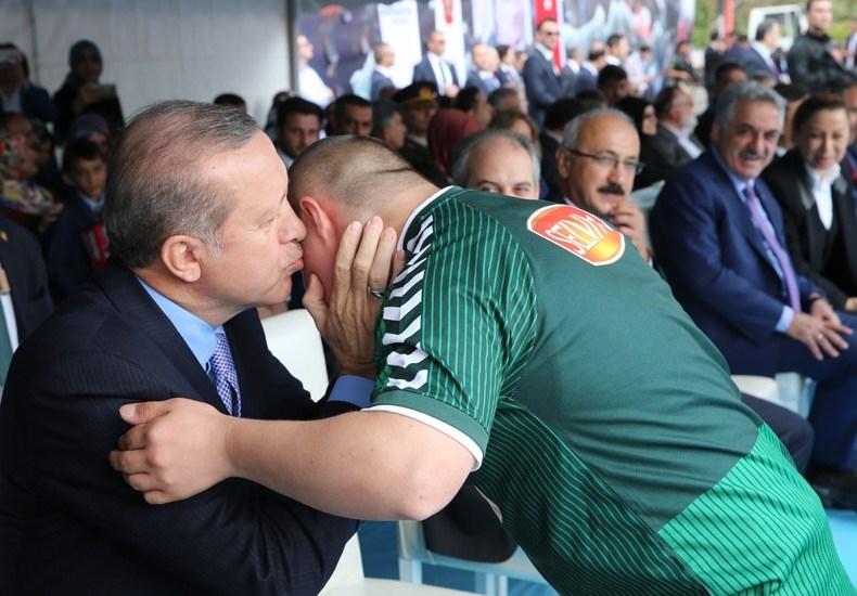Erdoğan'dan çocuklara özel ilgi 10