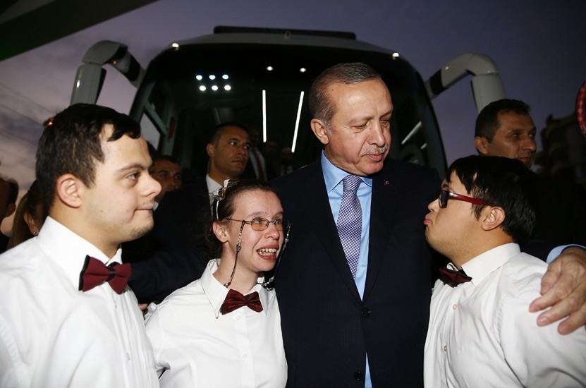 Erdoğan'dan çocuklara özel ilgi 14