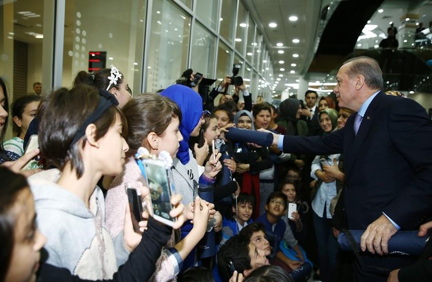 Erdoğan'dan çocuklara özel ilgi 15