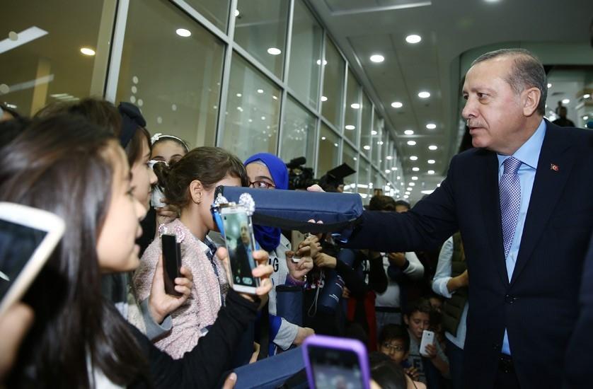 Erdoğan'dan çocuklara özel ilgi 16