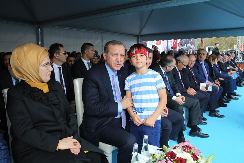 Erdoğan'dan çocuklara özel ilgi 6