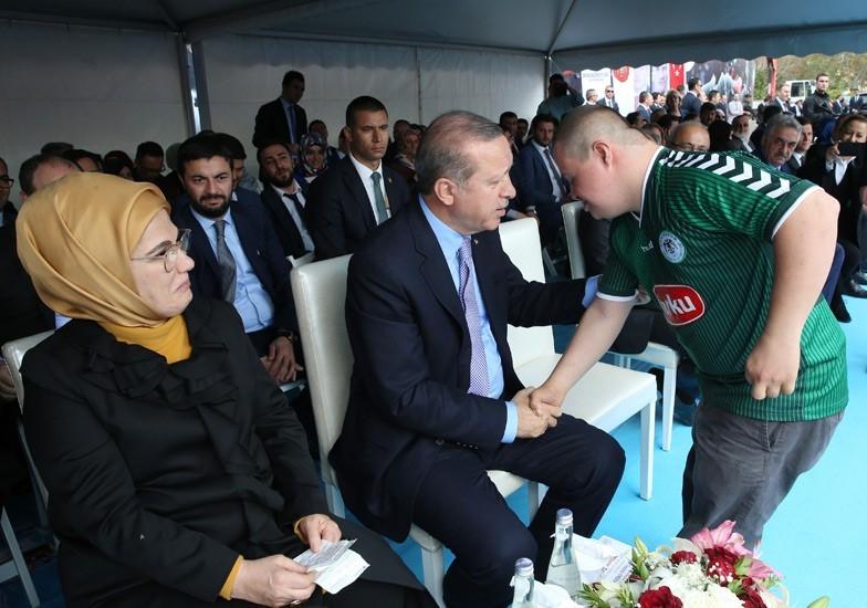 Erdoğan'dan çocuklara özel ilgi 8