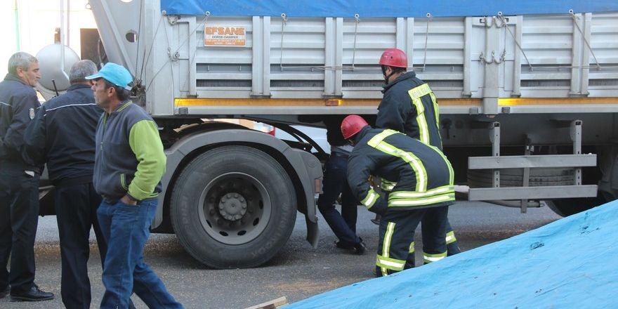 Konya'da başı dorseye sıkışan sürücü öldü