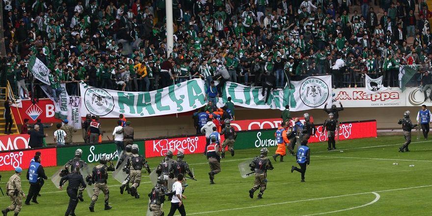 Alanya'da maç sonu olaylar çıktı