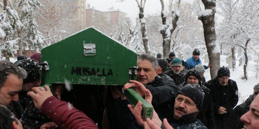 Seyit Mehmet Buğa toprağa verildi