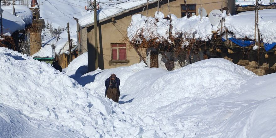 Konya'nın bu ilçesinde kar kalınlığı 3 metreyi aştı