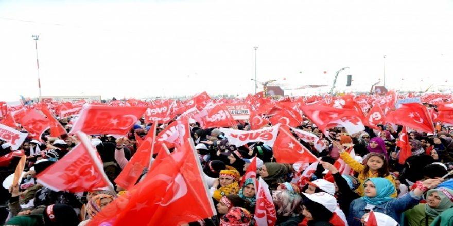 Vatandaşlar Yenikapı'ya akın etti