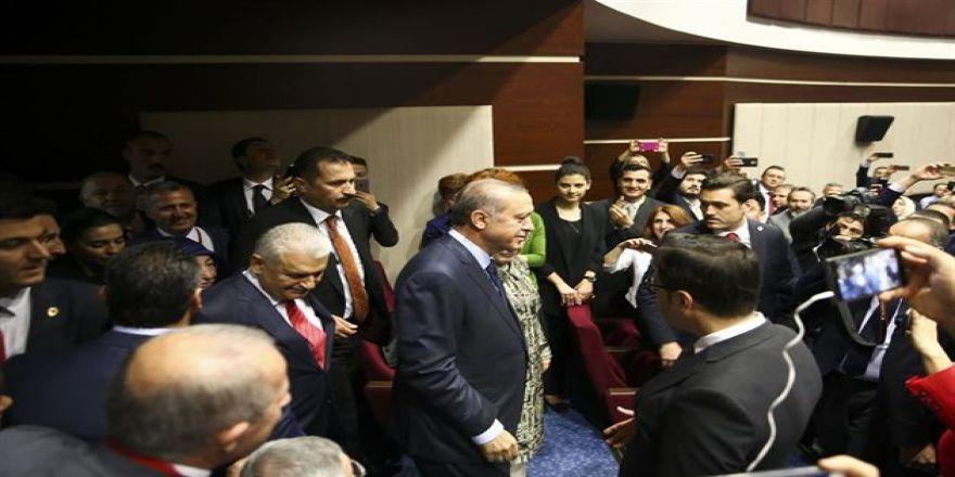 Cumhurbaşkanı Erdoğan'ın AK Parti'ye üye oldu