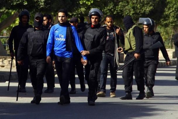 Ezher'de darbe karşıtlarına polis müdahalesi 12