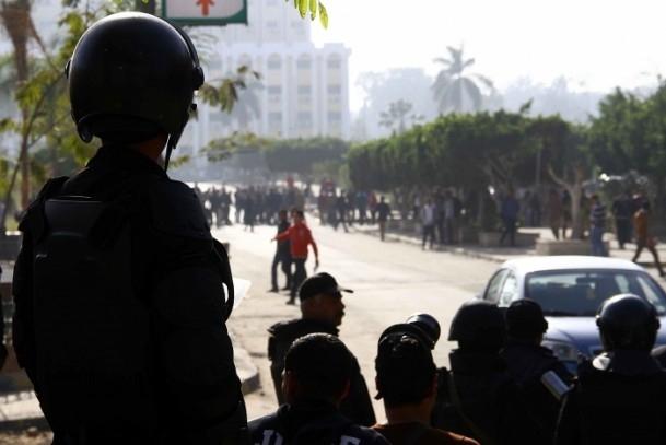 Ezher'de darbe karşıtlarına polis müdahalesi 13