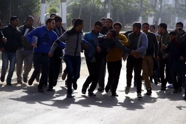Ezher'de darbe karşıtlarına polis müdahalesi 17