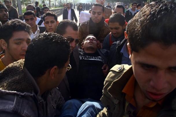 Ezher'de darbe karşıtlarına polis müdahalesi 19