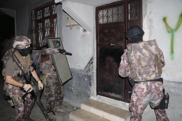 Torbacılara yönelik operasyonda polisleri bile şaşırtan detay 1