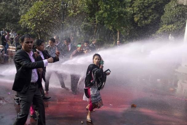 Bangladeş'te hükümet karşıtı gösteriler sürüyor 10