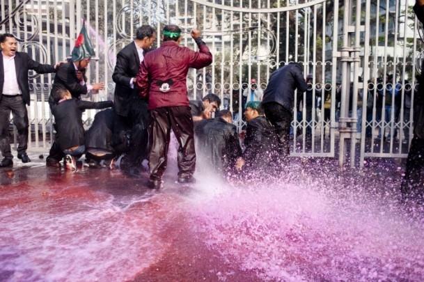 Bangladeş'te hükümet karşıtı gösteriler sürüyor 2