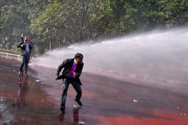 Bangladeş'te hükümet karşıtı gösteriler sürüyor 4