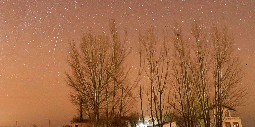 Konya'da Geminid meteor yağmuru izleyenlere görsel şölen sundu