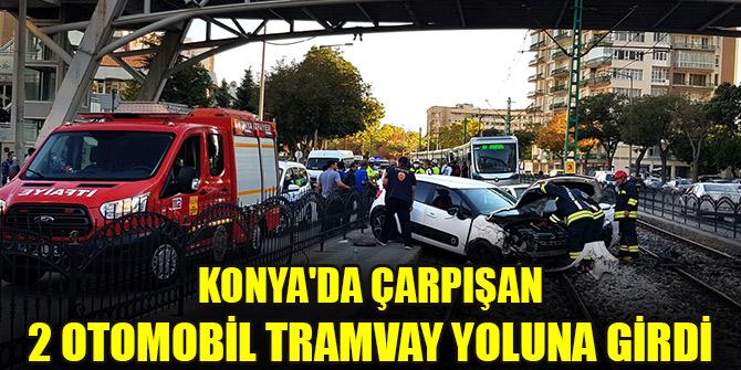 Konya'da çarpışan 2 otomobil tramvay yoluna girdi: 4 yaralı