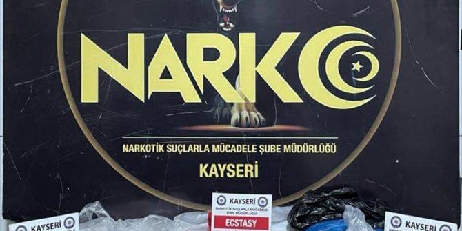 Kayseri'de uyuşturucu operasyonunda 3 kişi yakalandı